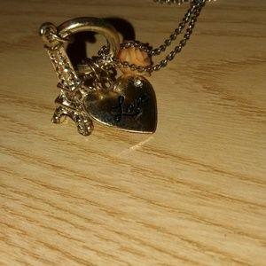 Jewelry - A paris necklace